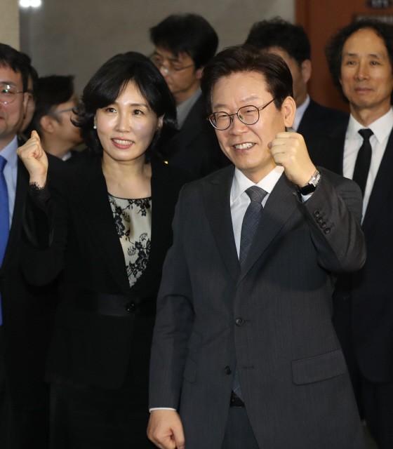 '혜경궁 김씨 사건' 스모킹건은?…경찰 VS 이재명 '쟁점 총정리'