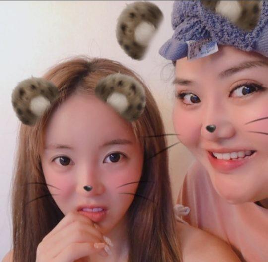 """""""마음이 여린 언니랍니다""""….홍진영·홍선영 자매, 깜찍한 투샷"""