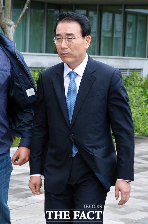 """조용병 회장, 신한은행 채용비리 혐의 부인…""""채용관련 지시 없었다"""""""