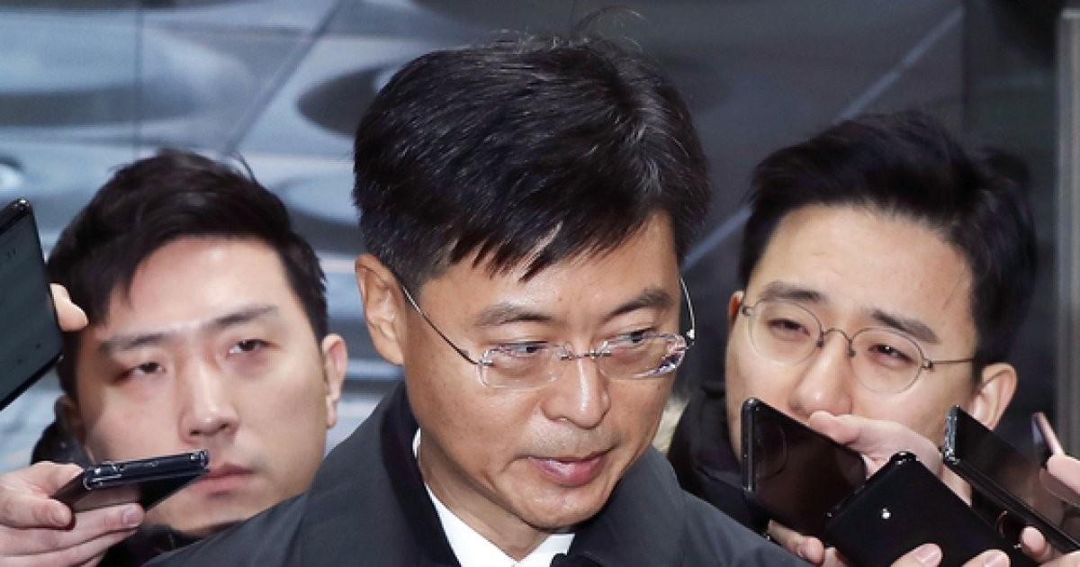 檢, '우병우 절친' 최윤수 전 국정원 차장에 징역2년6개월 구형