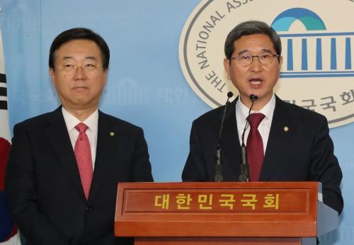 '2파전' 좁혀진 한국당 원대선거…김학용 VS 나경원 승자는?