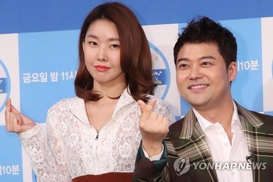 """전현무 한혜진 결별설 '부인'…""""확인결과 사실 무근"""""""