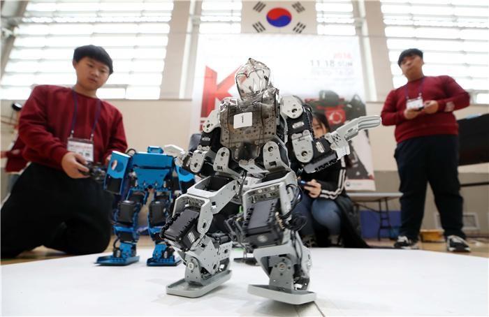 정부, 로봇전문기업 100개 육성…돌봄로봇 1000개 지자체에 보급