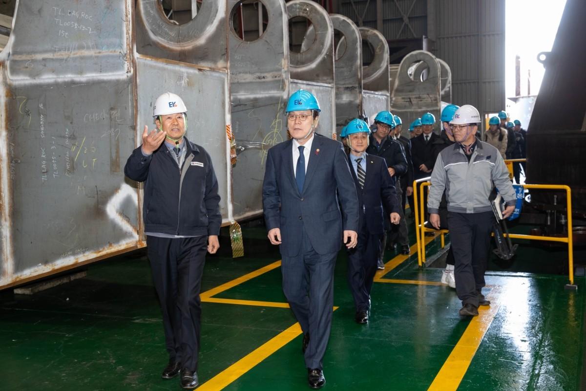 내년 '조선업' 주력산업 선정…정책금융 적극 지원