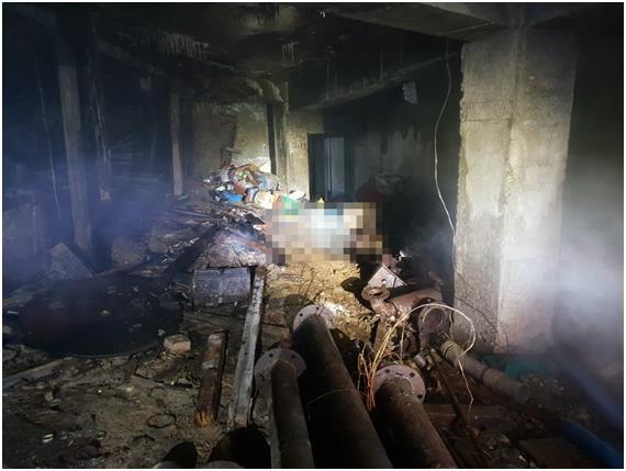 부천 화재 현장서 발 묶인 남성 시신 발견… 경찰 수사