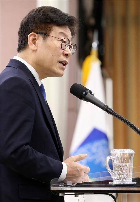 """이재명표 부동산정책 봇물…건설업계 """"파급력 커"""" 긴장"""