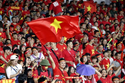 베트남, '박항서 매직'에 … 축구 광고료 천정부지