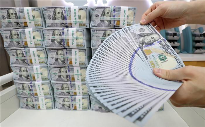 """11월 거주자외화예금 증가 전환…""""기업 달러화예금 증가 영향"""""""
