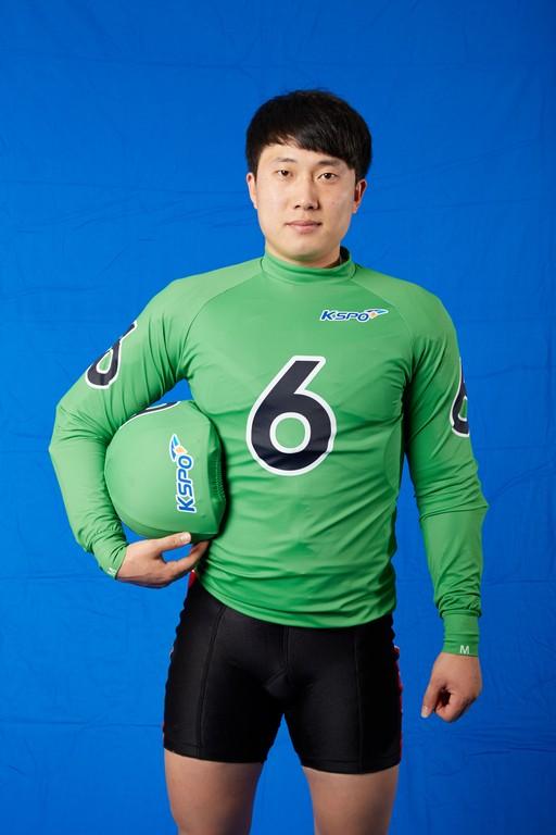 화제의 선수, 창원팀 윤민우