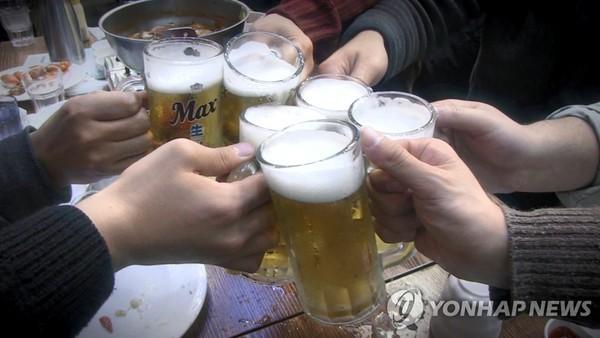 """삼성전자 광주사업장 회식 자리서 성추행 """"입에서 입으로 음식 옮기는 게임 강요"""""""