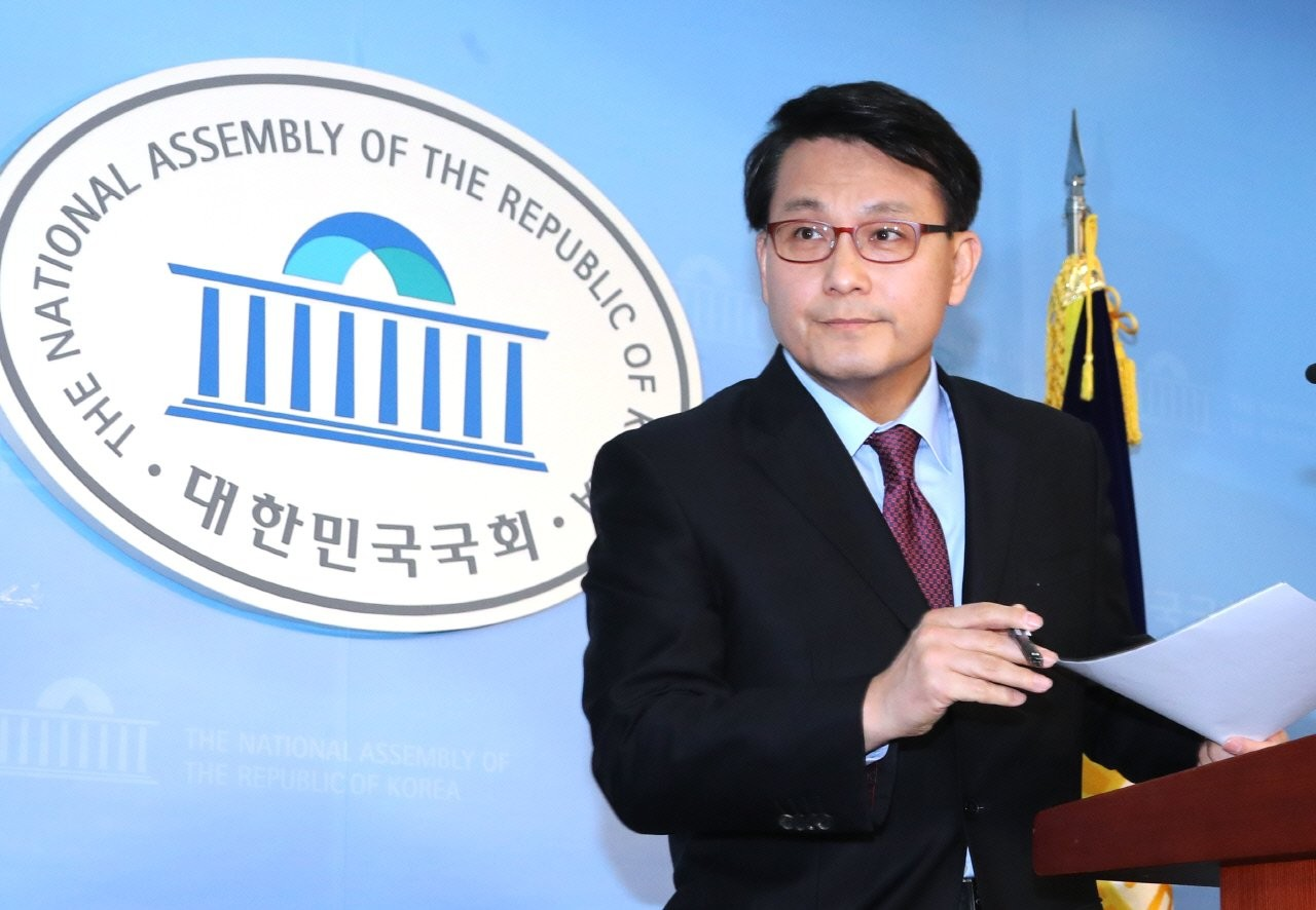 """윤상현 """"당협위원장 박탈, 변명할 생각 없어···친박은 폐족된 지 오래"""""""