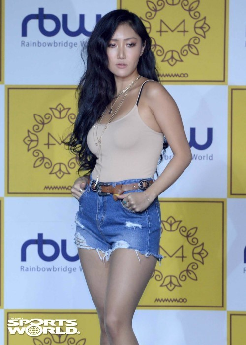 '연일 화제' 화사, 12월 걸그룹 브랜드 평판 1위