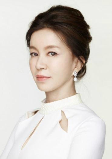 """임예진, 父 '빚투' 의혹에 """"2016년 12월 母 숨진 뒤 왕래 끊겨…원만 해결 노력"""""""