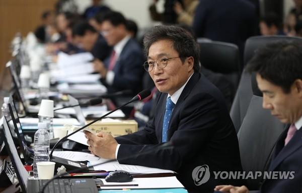 바른미래당 이학재 의원, 내일 자유한국당 복당 기자회견