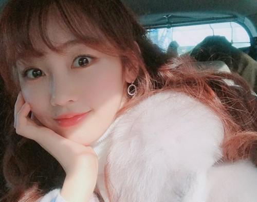 '내사랑 치유기' 강다현, 럭셔리한 분위기 돋보이는 일상 셀피 화제