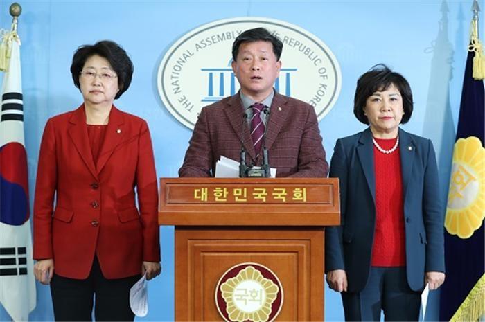 여, 국민연금 '소득대체율 50%안' 선호