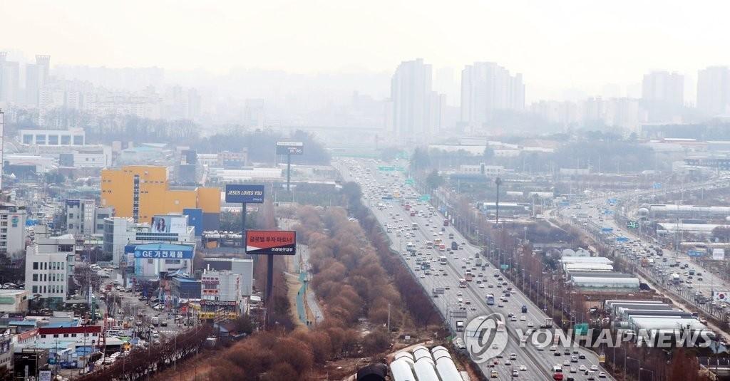 전국 미세먼지 '나쁨'…강원·충북 한때 눈·비