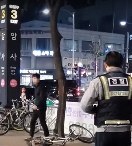 """'암사역 난동'서 드러난 '테이저건 이용 미숙'…""""사격훈련 전무"""""""