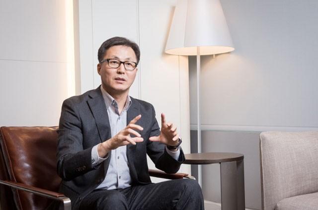 """삼성전자, 폴더블 이어 롤러블·스트레쳐블까지 """"혁신은 지금부터"""""""