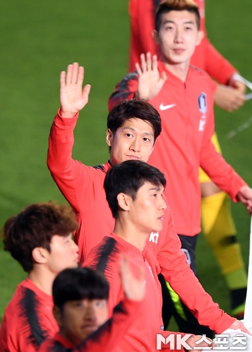 이청용 귀국, 아시안컵 경기 참여 중에 한국에 온 이유는?