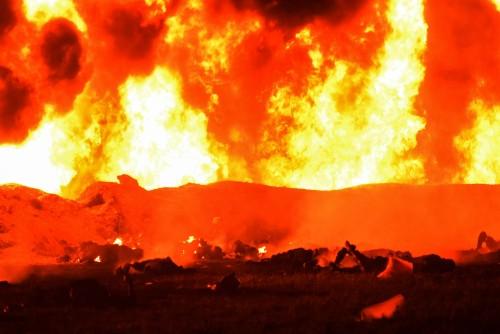기름도둑 때문에 … 멕시코 송유관 폭발 73명 사망 대참사