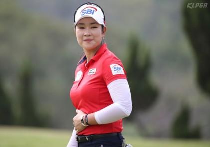 [KLPGA] 대만여자오픈 3R, 김아림 공동 선두...전미정과 우승 경쟁