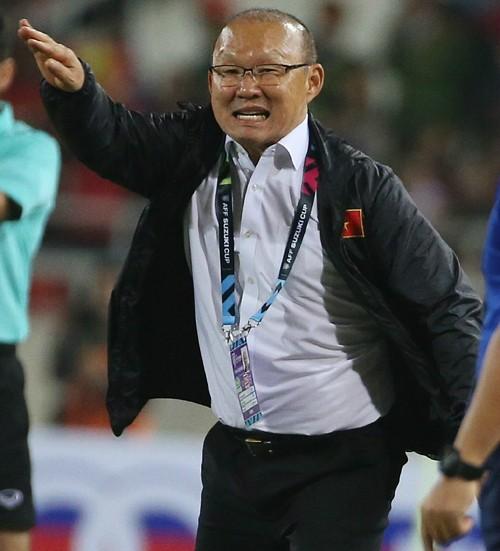 일본-사우디 경기 직관한 박항서, '미니 한일전' 성사되자 밝힌 소감