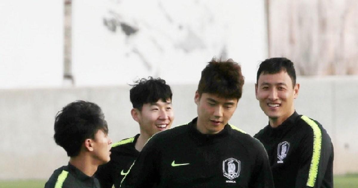 "AFC 냉정한 진단 ""기성용 이탈, 한국 우승 행보 차질"""