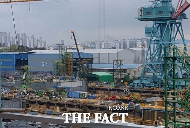 새해 첫 달 수출 14%↓…반도체·선박 수출 감소가 원인