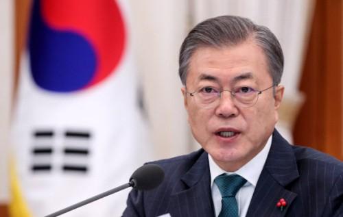 """文 대통령 """"광화문 집무실 행정상 불편 고려 유보"""""""