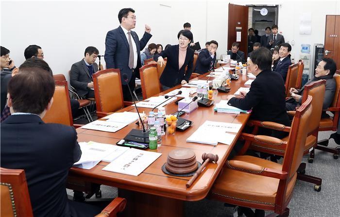 유료방송 합산규제 2월 임시국회서 재논의