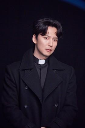 열혈사제 김남길