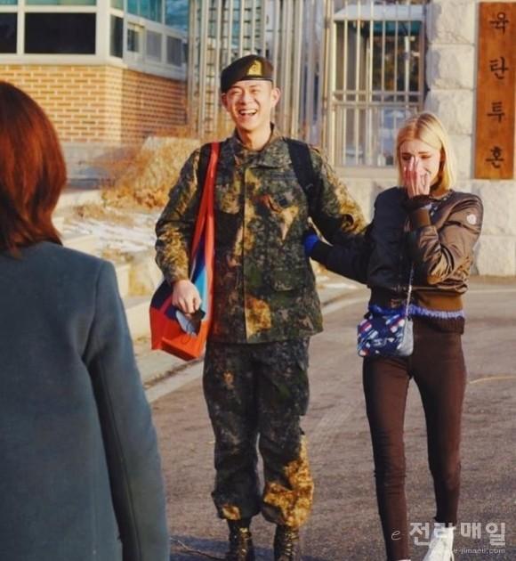 래퍼 빈지노, 1년 9개월 군 복무 끝
