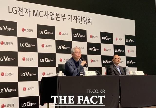 """권봉석 LG 사장 """"폴더블·롤러블·듀얼디스플레이, 다 자신 있어"""""""