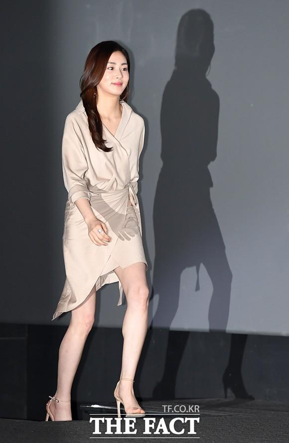 강소라, '시선 장악하는 매력 각선미'