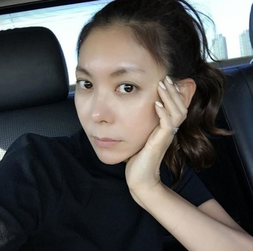 최할리, 무결점 민낯 공개하며 남다른 카리스마 발산