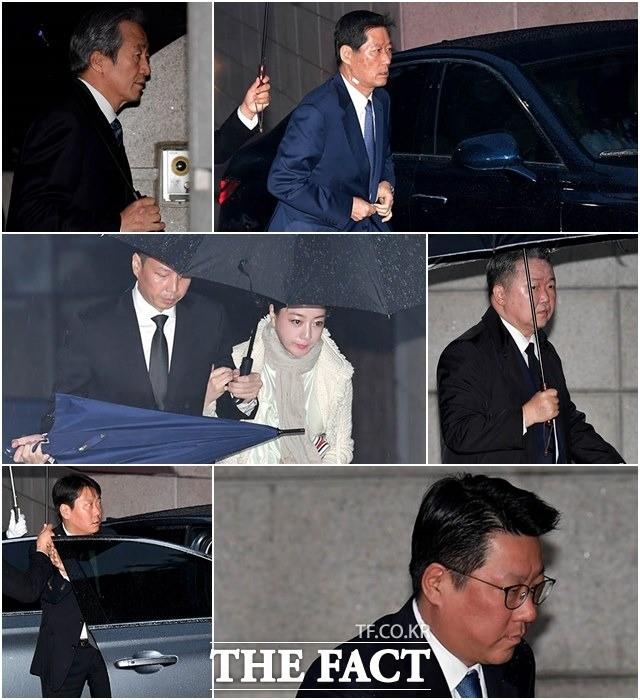 '故 정주영 회장 18주기' 빗줄기 뚫고 제사 참석한 범현대가