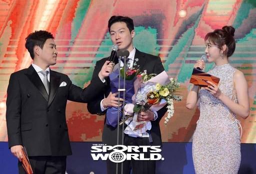 KCC 이정현,'국내선수 MVP'