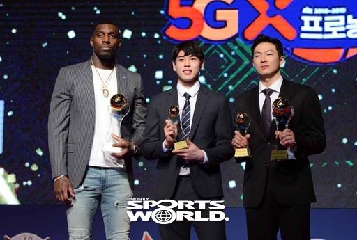 라건아-변준형-이정현,'최고의 선수들'