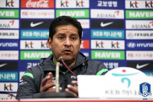 """빌레가스 감독의 칭찬 """"한국, 아시안컵보다 나아졌다"""""""