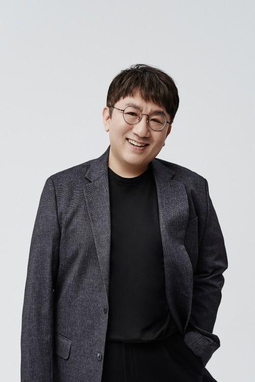 """BTS 제작자 방시혁, 지분 매각 보도에 """"사실 아냐"""""""
