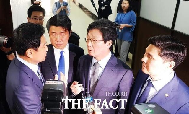 """오신환 '사보임' 논란 유승민도 분노 """"거짓말하는 사람 제일 싫어"""""""