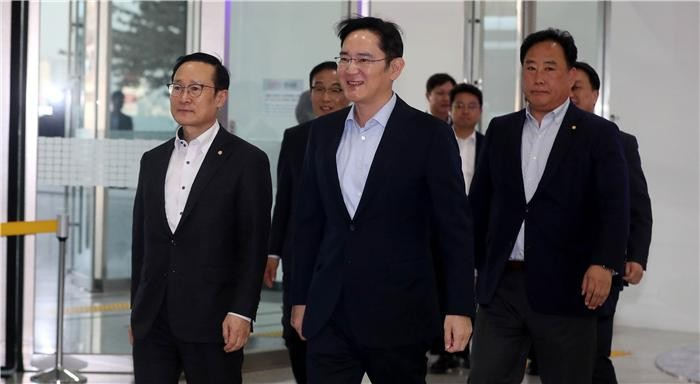 이재용 부회장 '시스템 반도체' 승부수…삼성 미래 이끈다