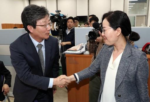 """""""오신환 화이팅""""…오신환 지키기로 연대하는 자유한국당·바른정당계 바른미래당?"""