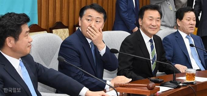 총선 행보? 당 사수 의지? 김관영 '오신환 사보임' 강행 이유는