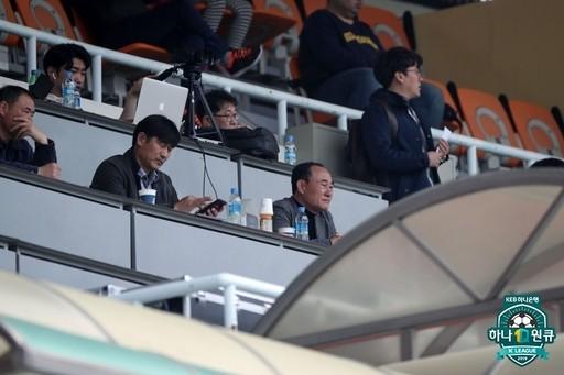 """""""애들이 좀 뛰어야""""...올림픽 앞둔 김학범 감독의 고민"""