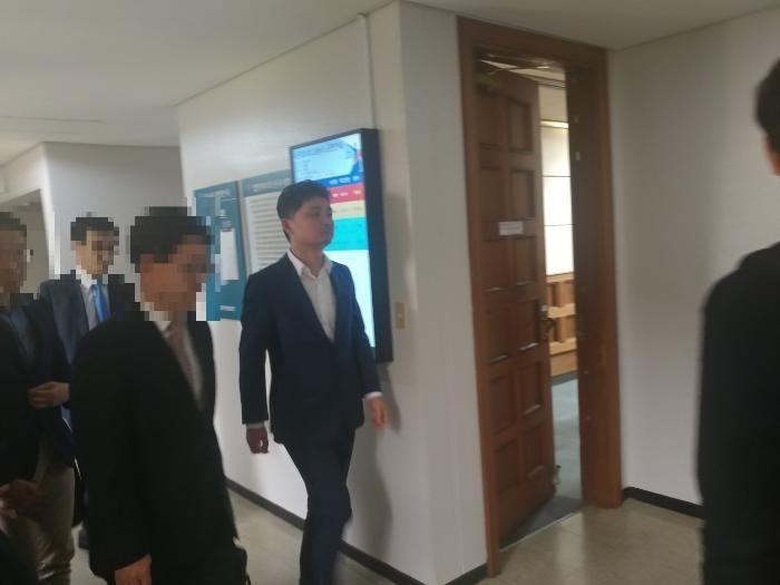 """카카오 '계열사 고의누락' 혐의, 검찰 벌금 1억 구형…김범수 """"단순 담당자 누락"""""""
