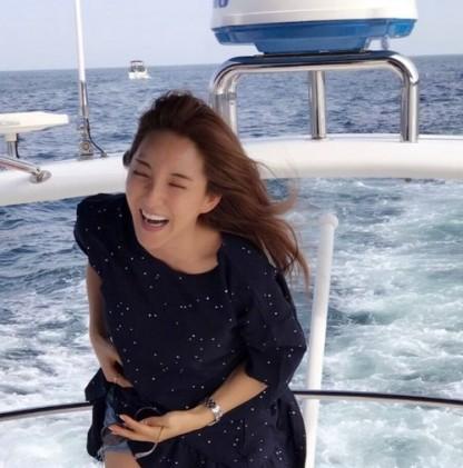 바다, 남편 어디 두고 혼자...얼굴에 '행복함' 가득