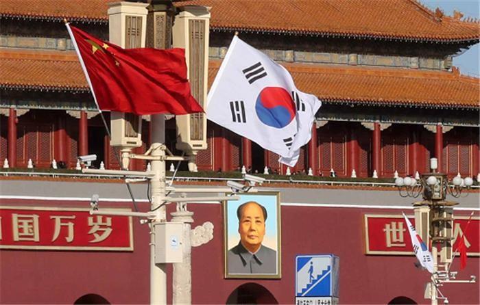 문 대통령, 중국 2·3인자 만나 양국 경제·외교 관계회복 박차