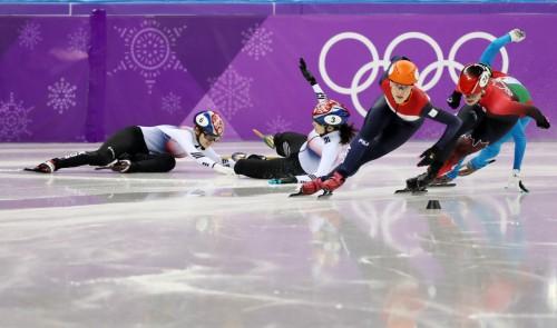 심석희·최민정 스퍼트하다 얽혀…한국 女 1000m 24년 만에 노메달